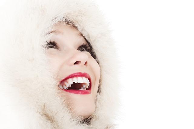 Bezpłatne zabiegi dentystyczne na Dzień Kobiet