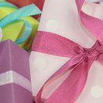 Psycholog radzi: Jak odpowiednio wybrać prezent świąteczny dla dziecka?