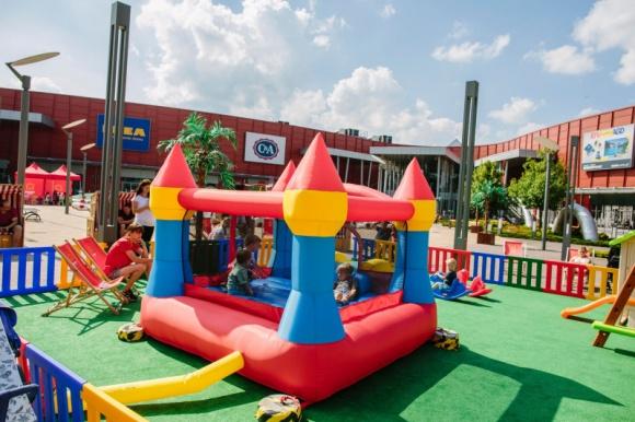 Smok na zamku w Porcie Łódź Dziecko, LIFESTYLE - Port Łódź zaprasza najmłodszych na kolejny weekend pełen atrakcji (12 – 13 sierpnia).