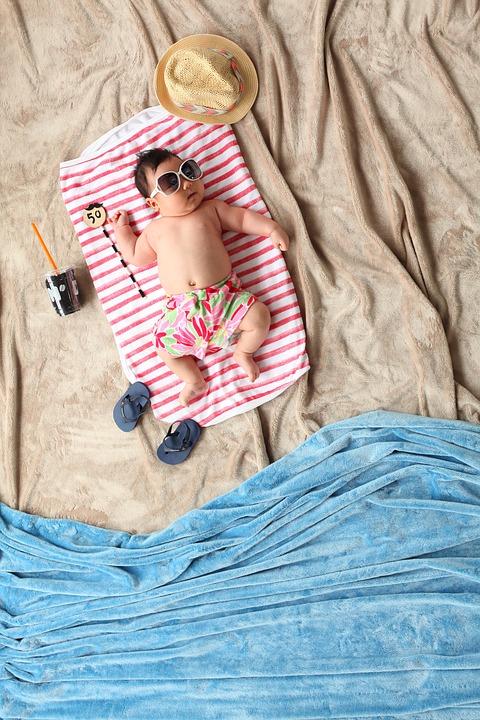 Upalne lato – uwaga na upały – jak chronić maluszka przed wysoką temperaturą