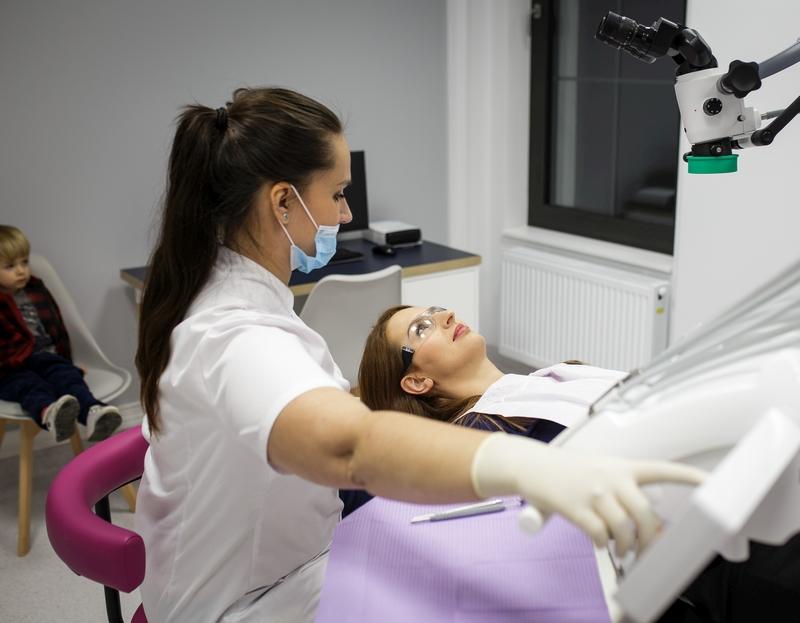 Leczenie zębów w ciąży – konieczne czy niebezpieczne?