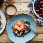 Superfoods w diecie dziecka – jak uzupełnić menu o cenne dla zdrowia składniki
