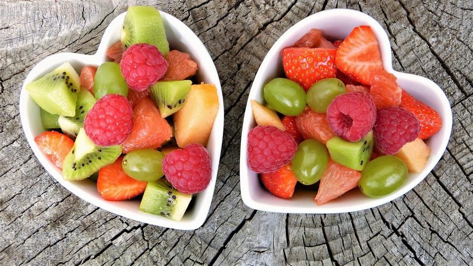 Czego unikać i jakie warzywa oraz owoce wybrać, żeby jeść zdrowiej